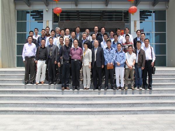 此次研讨会的研讨内容涵盖材料技术和市场两方面,内容包括散热覆铜板产品介绍(苏州赛伍应用技术有限公司)、散热与高频应用软板基材-液晶高分子材料柔性电路板在平板显示领域的应用(台湾长捷士科技有限公司)、中国印制电路行业发展现状和趋势(中国印制电路行业协会王龙基秘书长)。